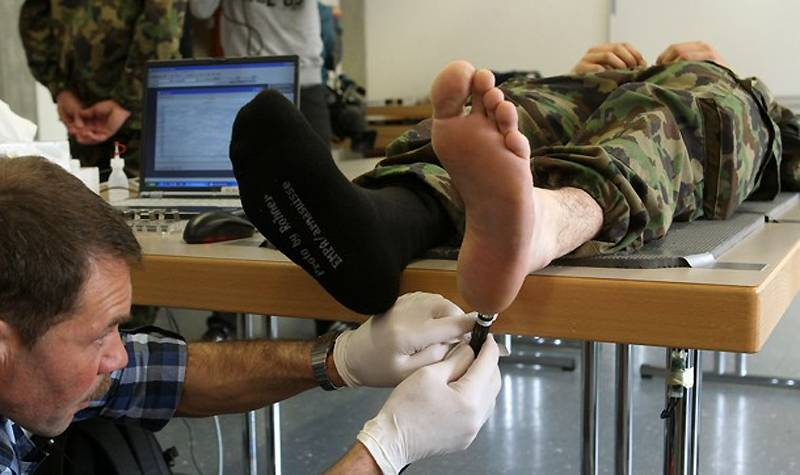Голые солдаты накомисии хирург фото 44-999